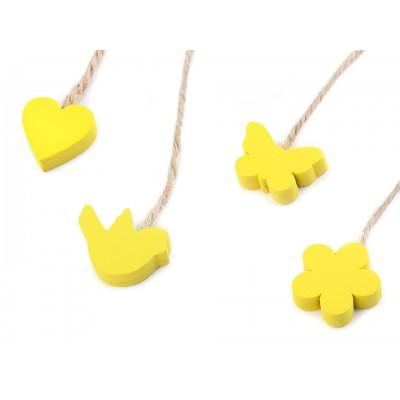 Drevený vtáčik, motýľ, kvet, srdce s motúzikom - žlté